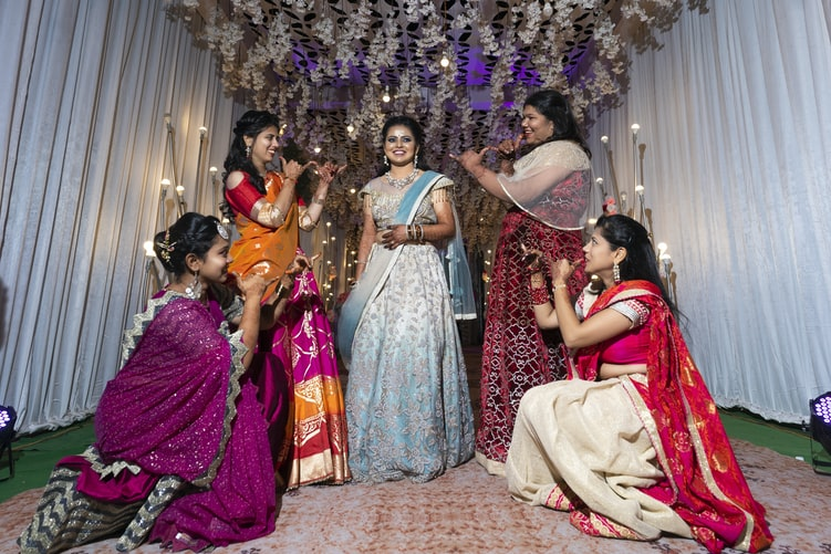 indian wedding clothes for women
